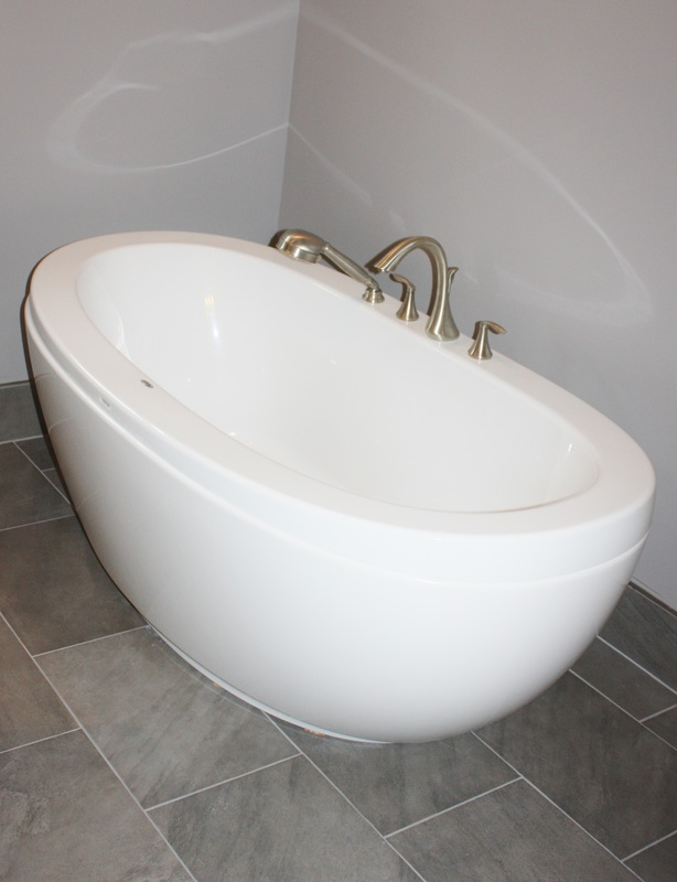 Picture of freestanding bathtub, Maax