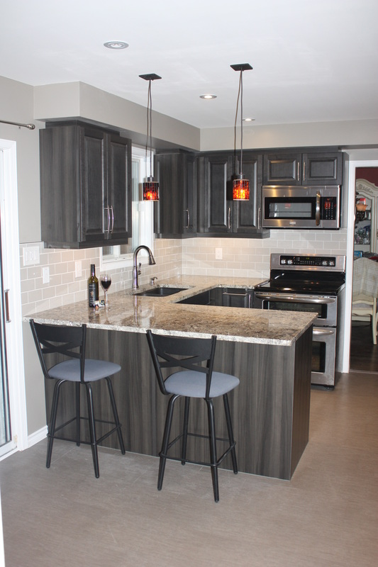 Kitchen Renovation Makeover In Orillia Ontario Kitchen Cabinets By Canadiana Kitchens Custom Kitchens Cabinets And Bathrooms In Barrie And Simcoe County